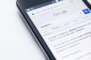 """A Google search page for the word """"analytics"""" on a mobile phone"""